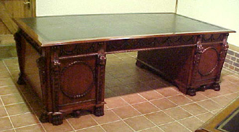 Desk, Chippendale design pedestal partners desk For Sale  Antiques ...