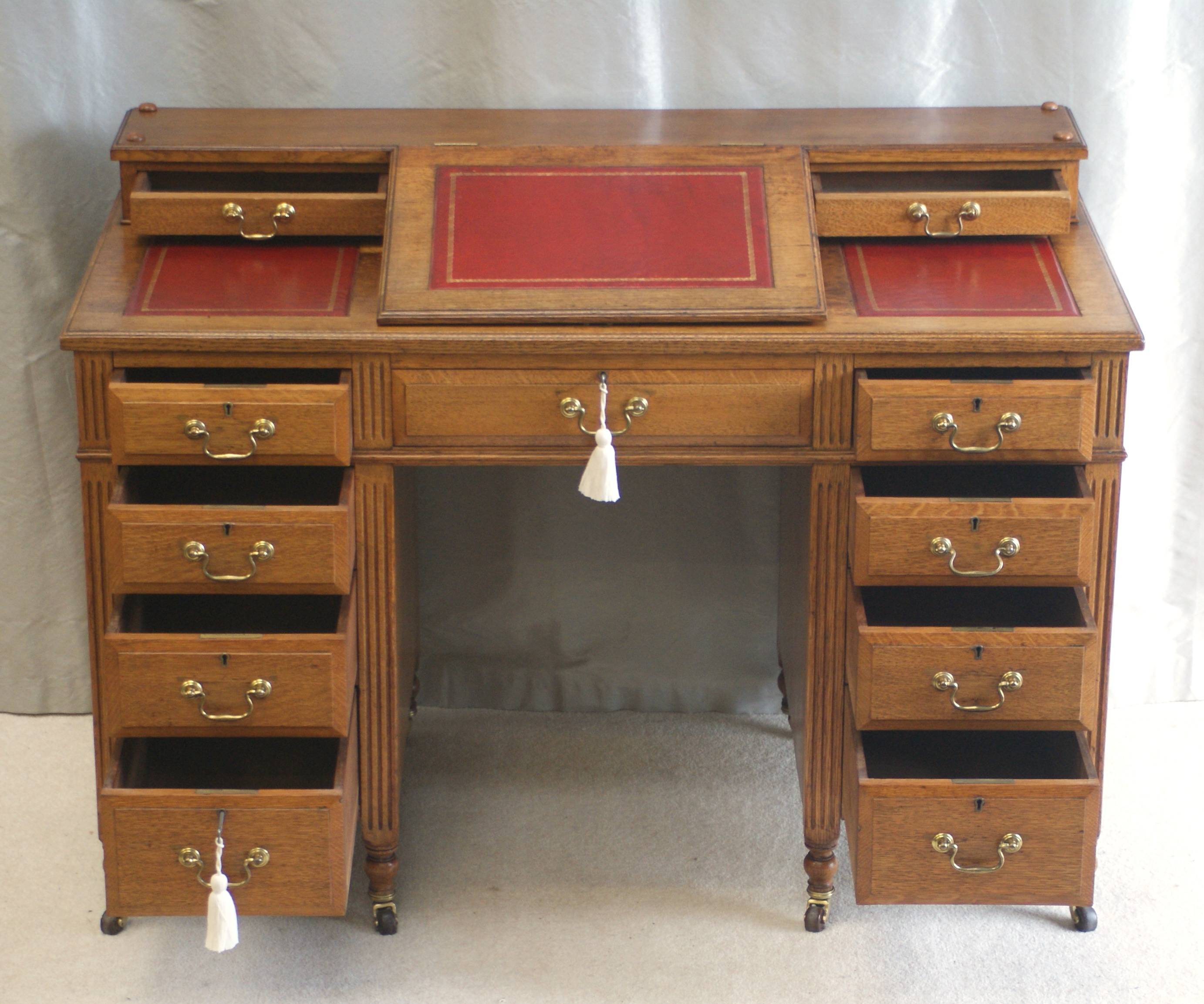Antique Victorian Oak Dickens Desk Ref 4025 For Sale. Hideaway Desk Cabinet. File Desk. Chest Of Drawers Deep Drawers. L Shape Office Desks