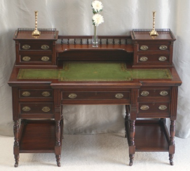 Antique Victorian Mahogany Writing Desk 4018   For Sale