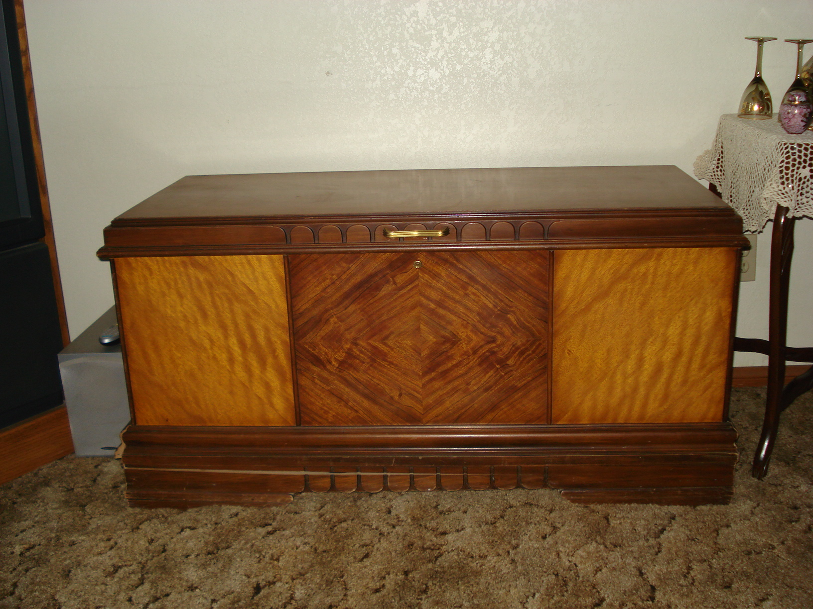 1938 Roos Hope Chest For Sale Antiques Com Classifieds
