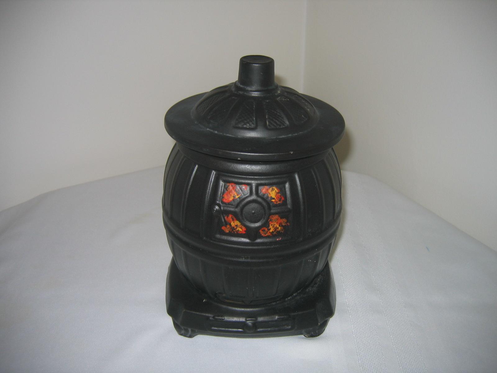 Vintage Mccoy Ceramic Pottery Black Pot Belly Stove Cookie