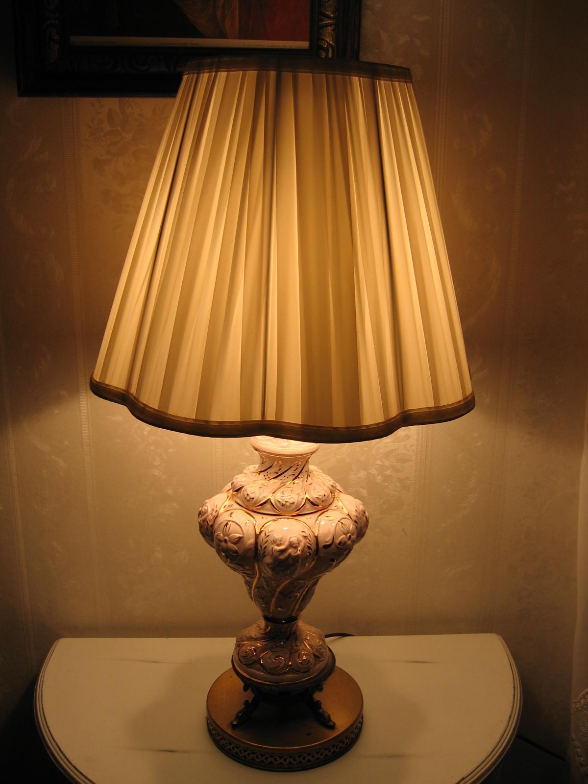 Vintage capodimonte italian fine porcelain pottery cherub for Lamp shades austin