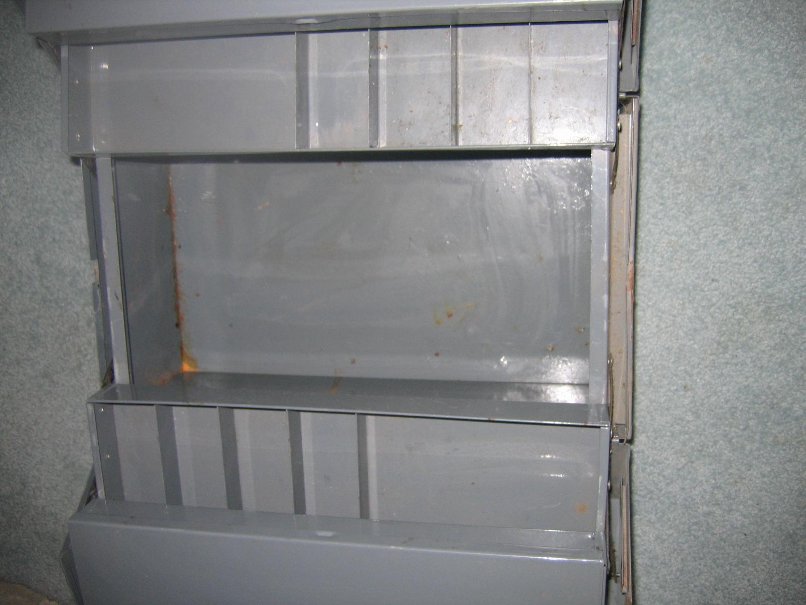 White Clad Ice Box Original Ori B
