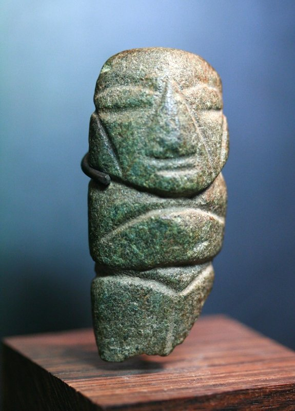 Rare pre columbian mezcala stone axe shape idol for sale