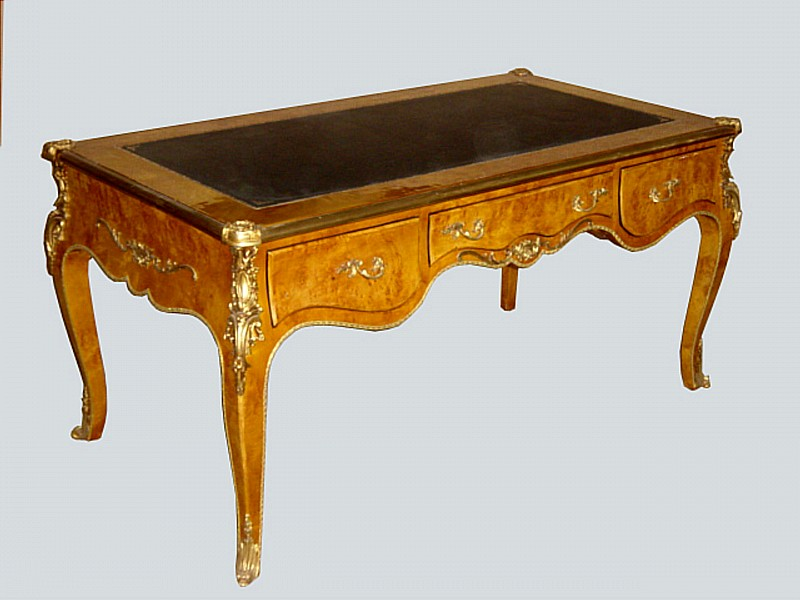 Imperial Very Large Elm Wood Louis XV Style Desk - For Sale - Imperial Very Large Elm Wood Louis XV Style Desk For Sale Antiques