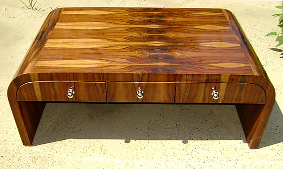 Charming Spectacular Rosewood Art Deco Large Coffee Table   For Sale