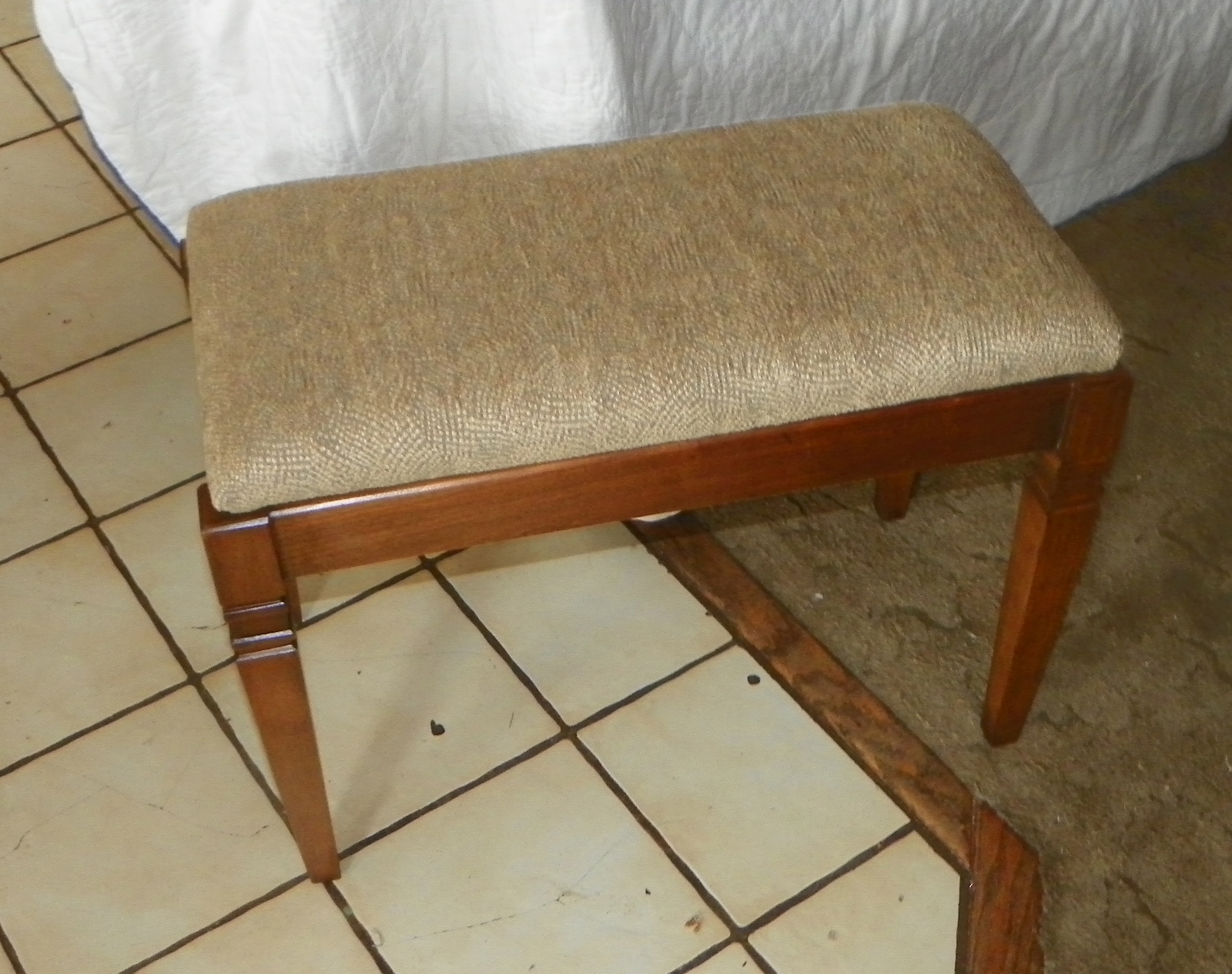 Walnut Piano Bench with lift seat by Kimball (BN160) For Sale ...