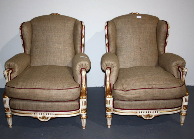 Merveilleux NICE PAIR FRENCH LOUIS XVI LOUNGE PAINTED CHAIRS BURLAP   For Sale