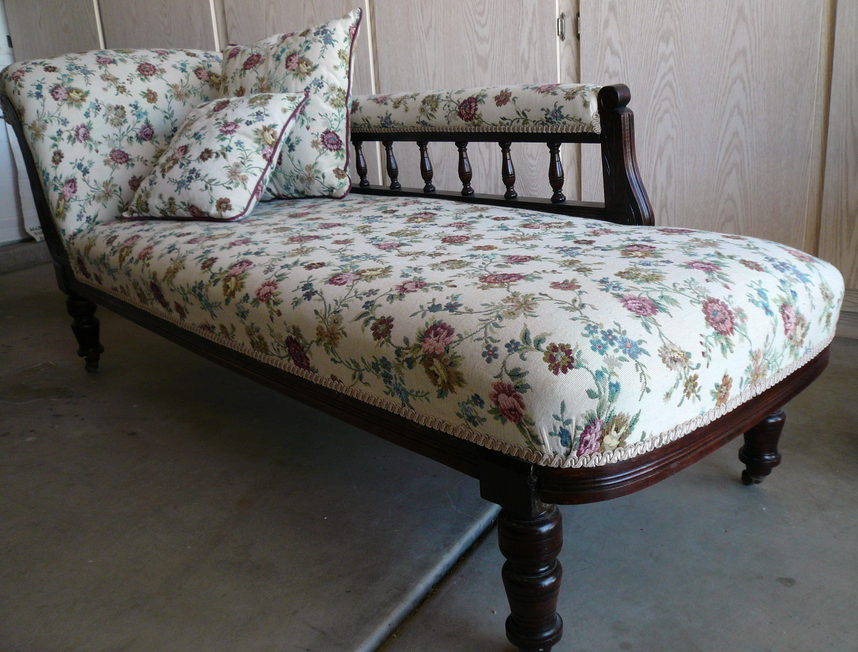 Chaise lounge 650 for sale classifieds for Antique chaise for sale
