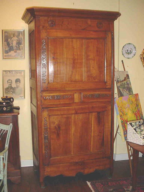 french cabinet armoire homme debout circa 1800 for sale. Black Bedroom Furniture Sets. Home Design Ideas