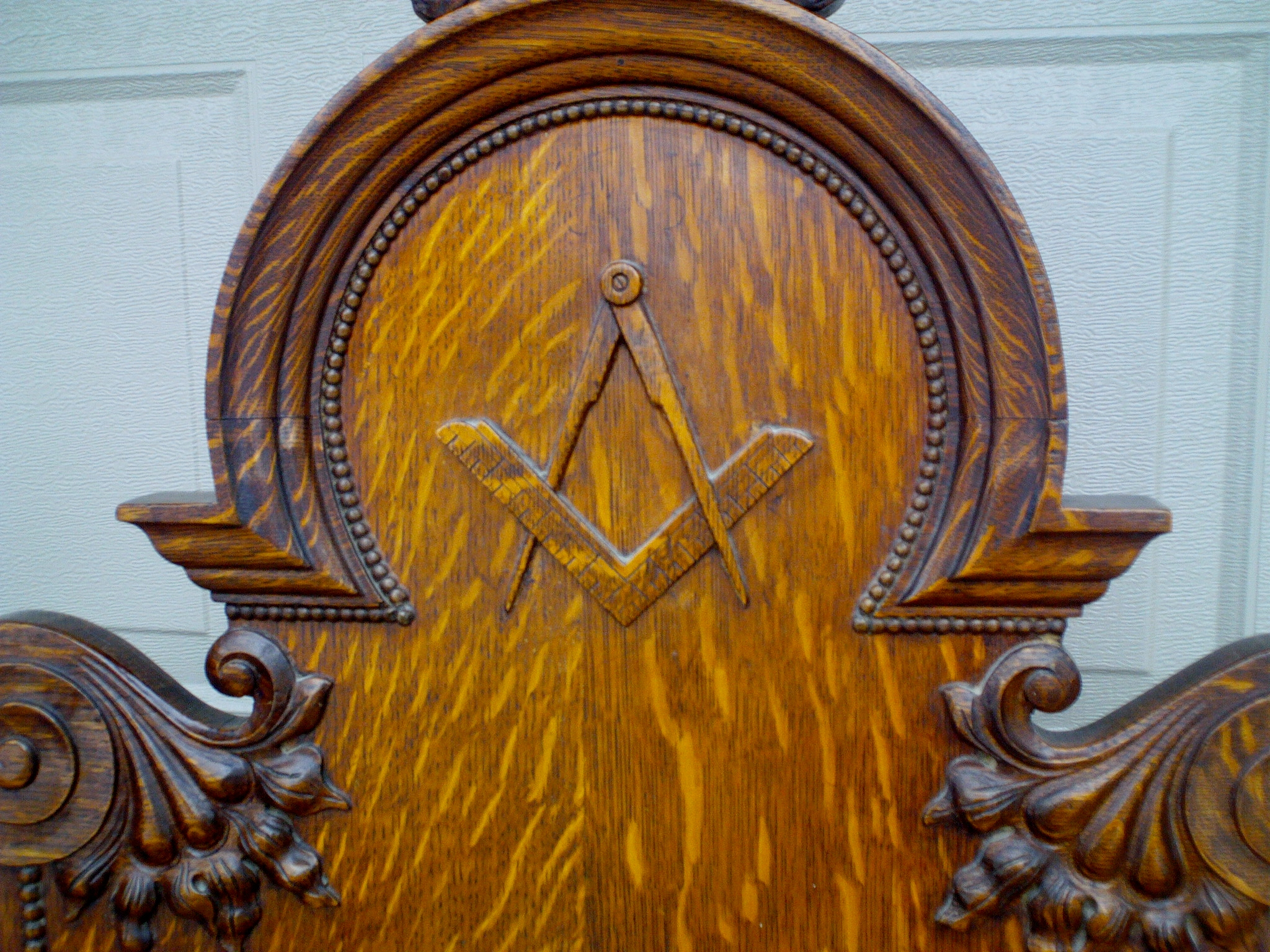 Antique Gothic Ornate Carved Oak Masonic Chair For Sale