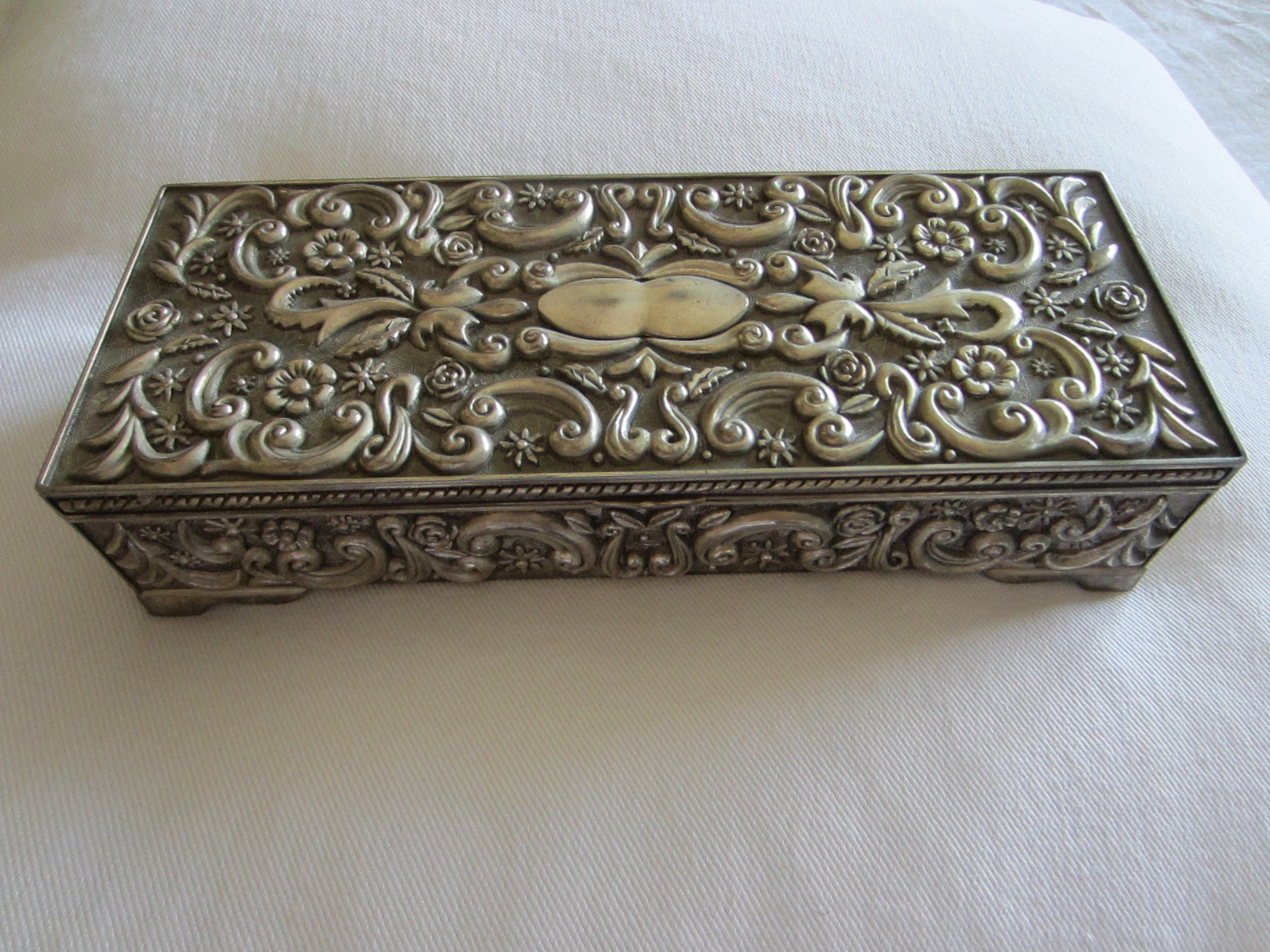 Godinger Silver Jewelry Box Floral Sectional Marked Dated For Sale