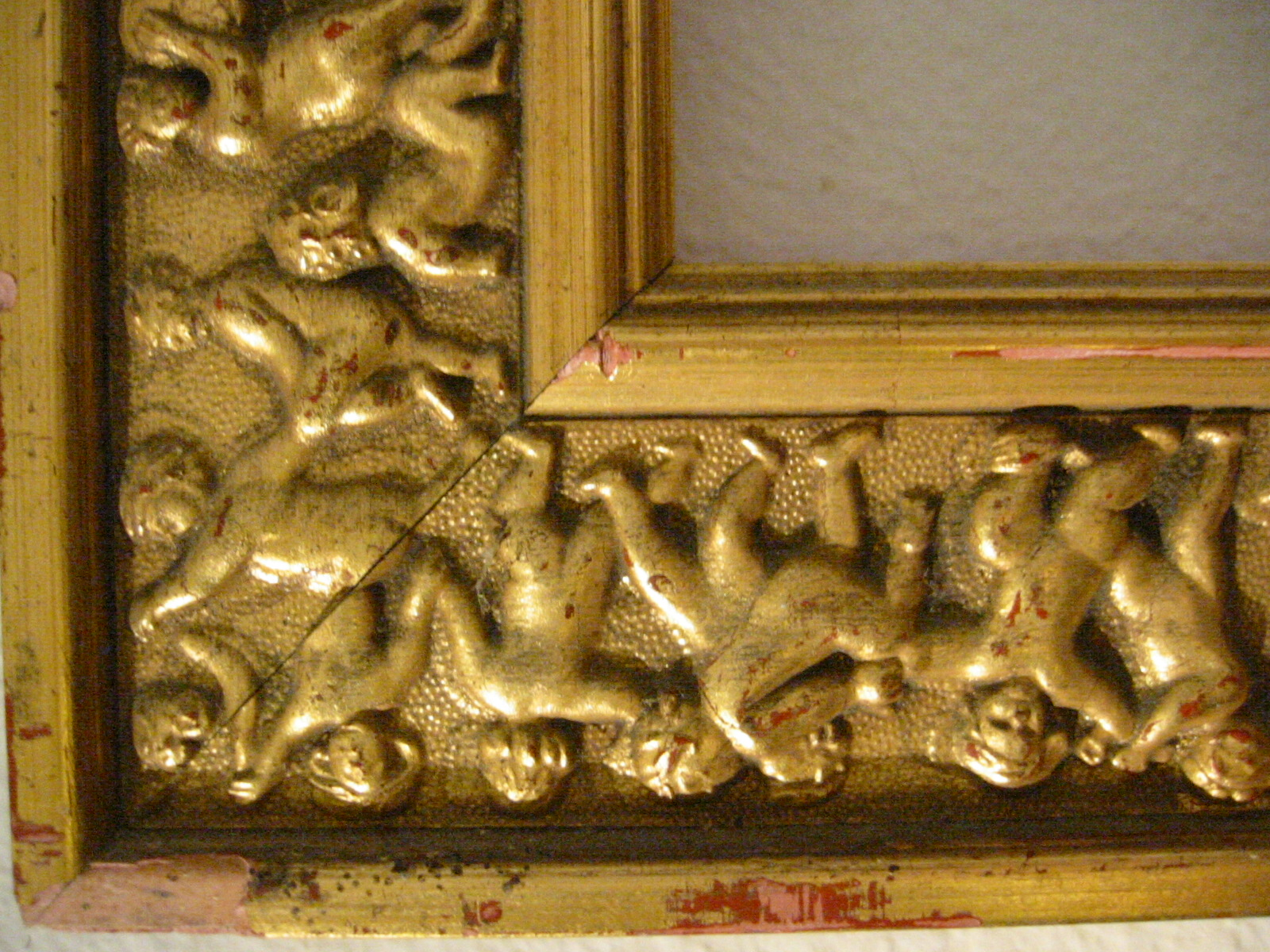 Gold Leaf Wood Picture Frame Raised Figures In Motion For
