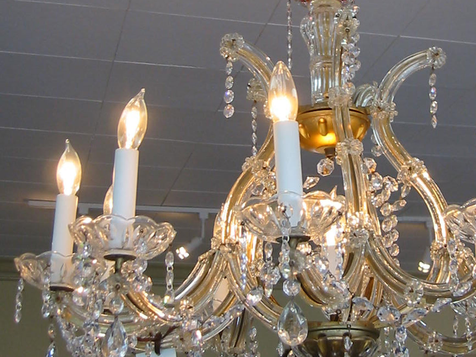 Italy Hand Cut Ten Light Crystal Chandelier For Sale