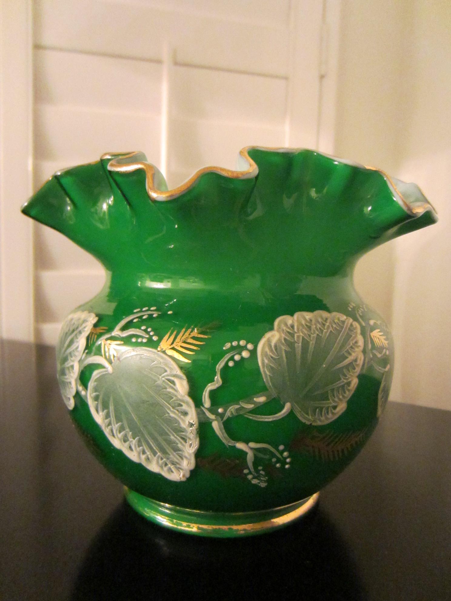 Charleton hand decorated green ruffle glass vase for sale charleton hand decorated green ruffle glass vase for sale reviewsmspy
