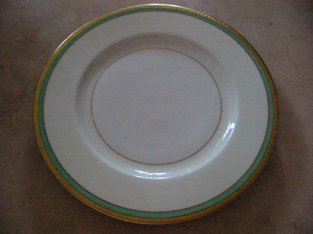 theodore haviland new york 8 porcelain dinner plates for sale classifieds. Black Bedroom Furniture Sets. Home Design Ideas
