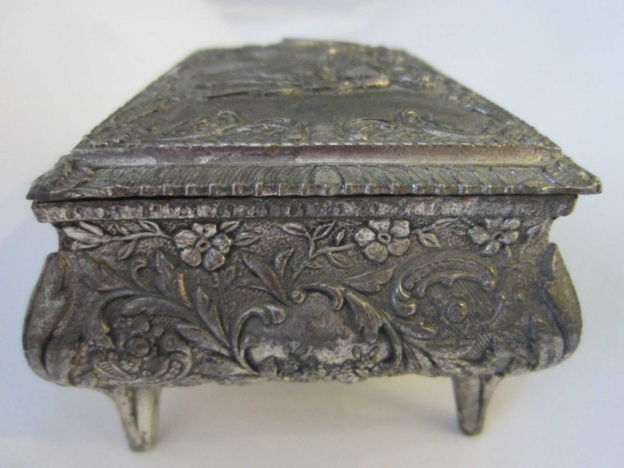 Down! Vintage antique metal jewelry boxes curious topic