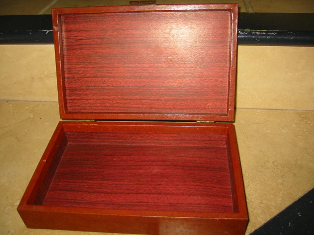 Smith Crafters Chicago Art Deco Vinyl Wood Vintage Jewlery