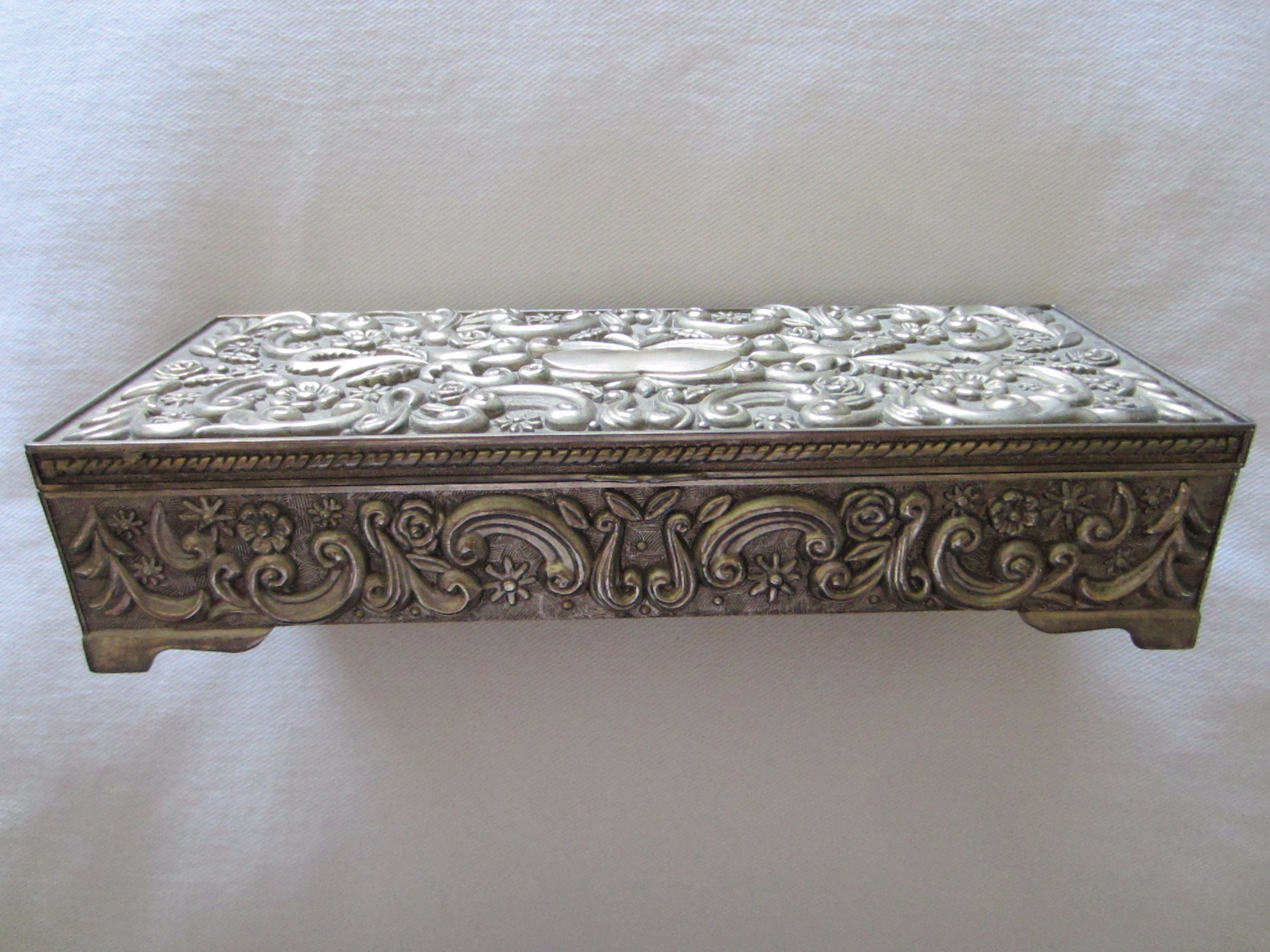 Antiques Com Classifieds Antiques Antique And Vintage Jewelry Antique Jewelry Boxes For Sale Catalog 9