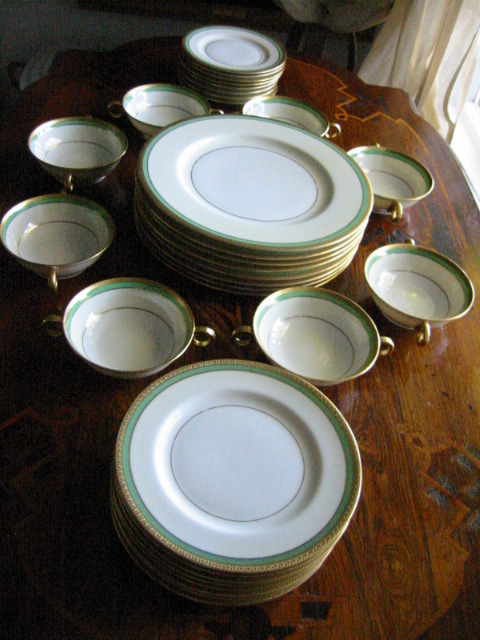 contemporary set of 8 porcelain dinner dish set stamp marked dinner