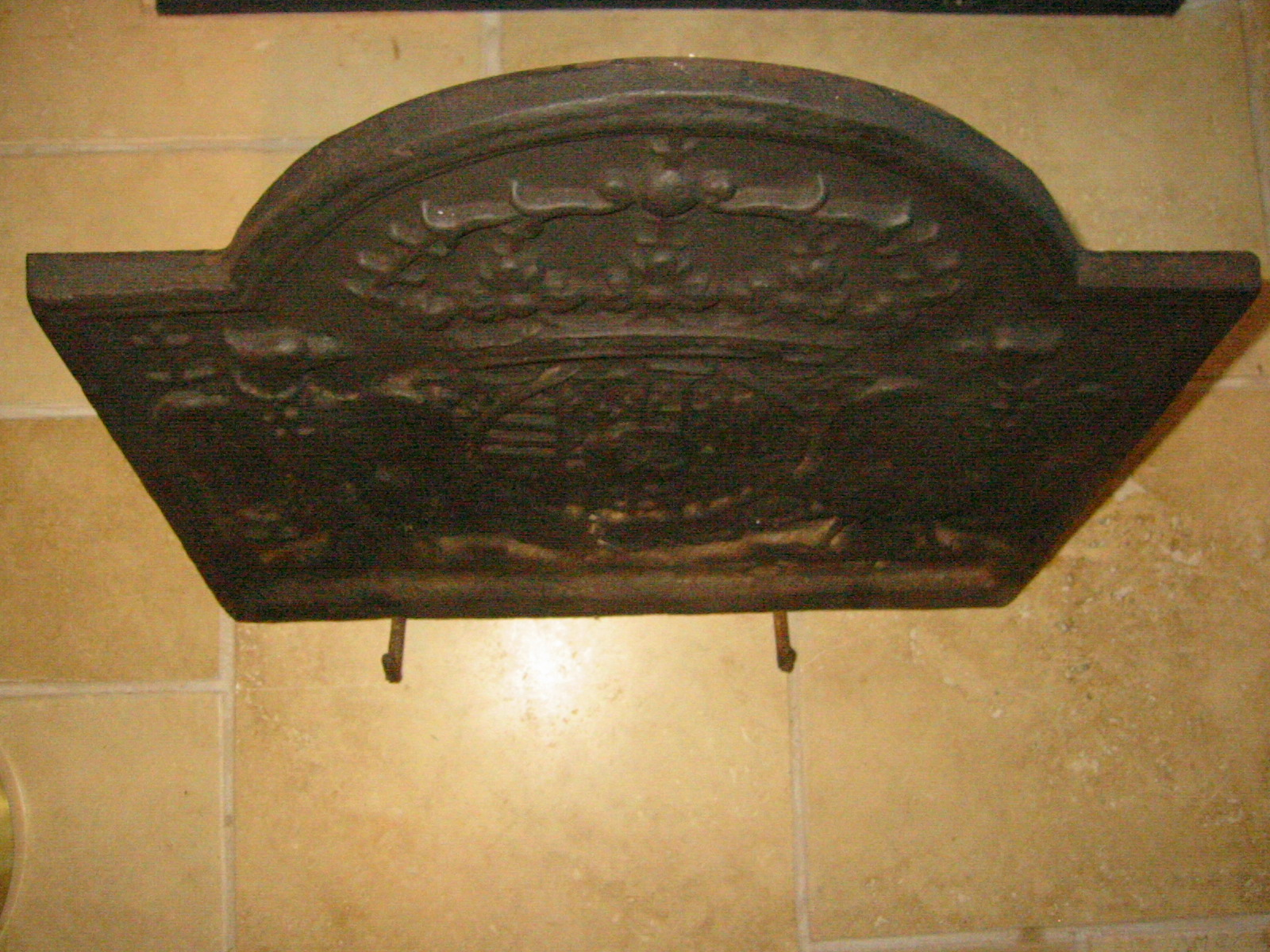 french cast iron fire back circa 17th century for sale antiques