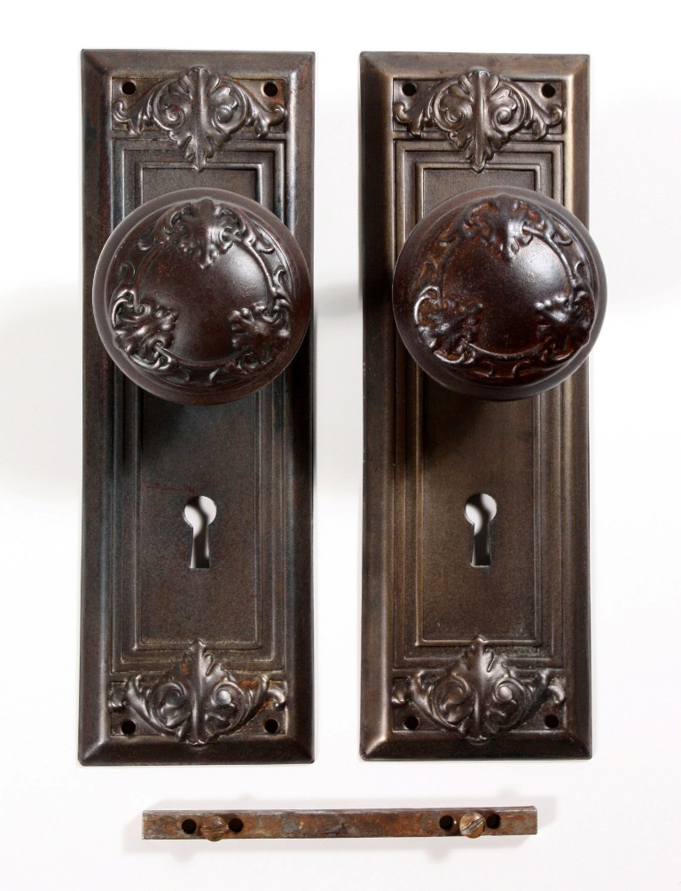 dating door hardware A diy sliding barn door has been on  dating dallas  when i saw her beautiful barn door attached to the gorgeous national hardware sliding door hardware,.