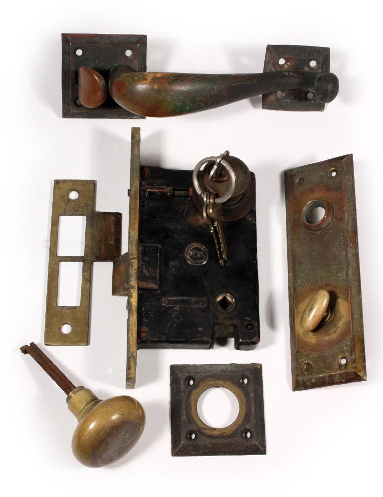 Complete Antique Thumb Latch Set With Lock, Handle, Doorknob, U0026 Keys, C.  1920u0027s NTH3   For Sale