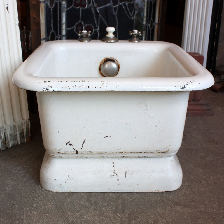 Rare antique iron and porcelain foot bath late 1800s nfb2 for Porcelain bathtubs for sale