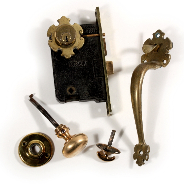how to fix a doorknob latch