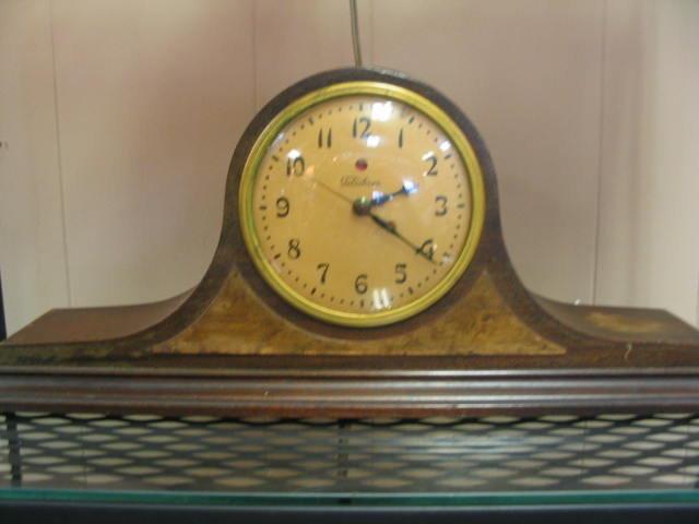 ''Telechron'' Electric Mantle Clock