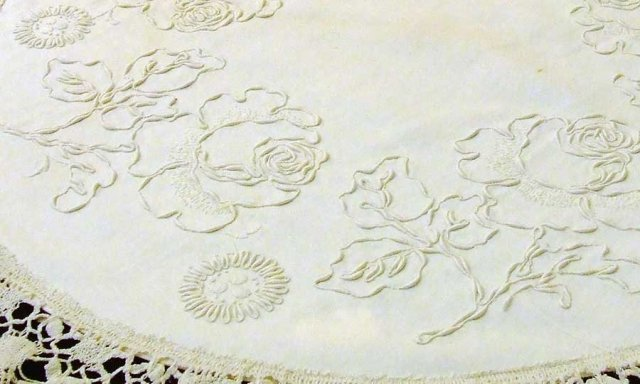 Perfect Arts and Crafts Table Linens 640 x 384 · 46 kB · jpeg