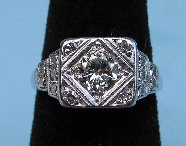 GOOD PLATINUM 6 CARAT DIAMOND RING GOOD STONE 5 TOTAL For Sale