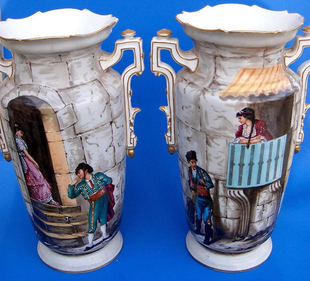 Well Painted Old Paris Pair Of Vases Extra Nice For Sale Antiques