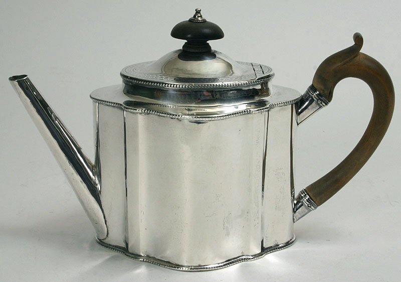Georgian Robert Hennell Sterling Silver Teapot 1784 For
