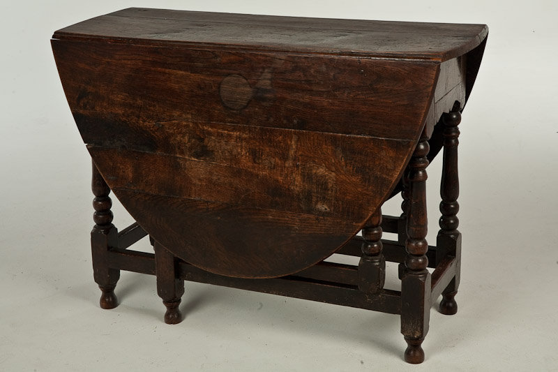 18th Century English Oak Gate Leg Table   For Sale