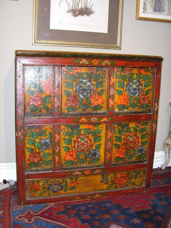 19th c painted wood cabinet in chinese style for sale for Antique chinese furniture styles
