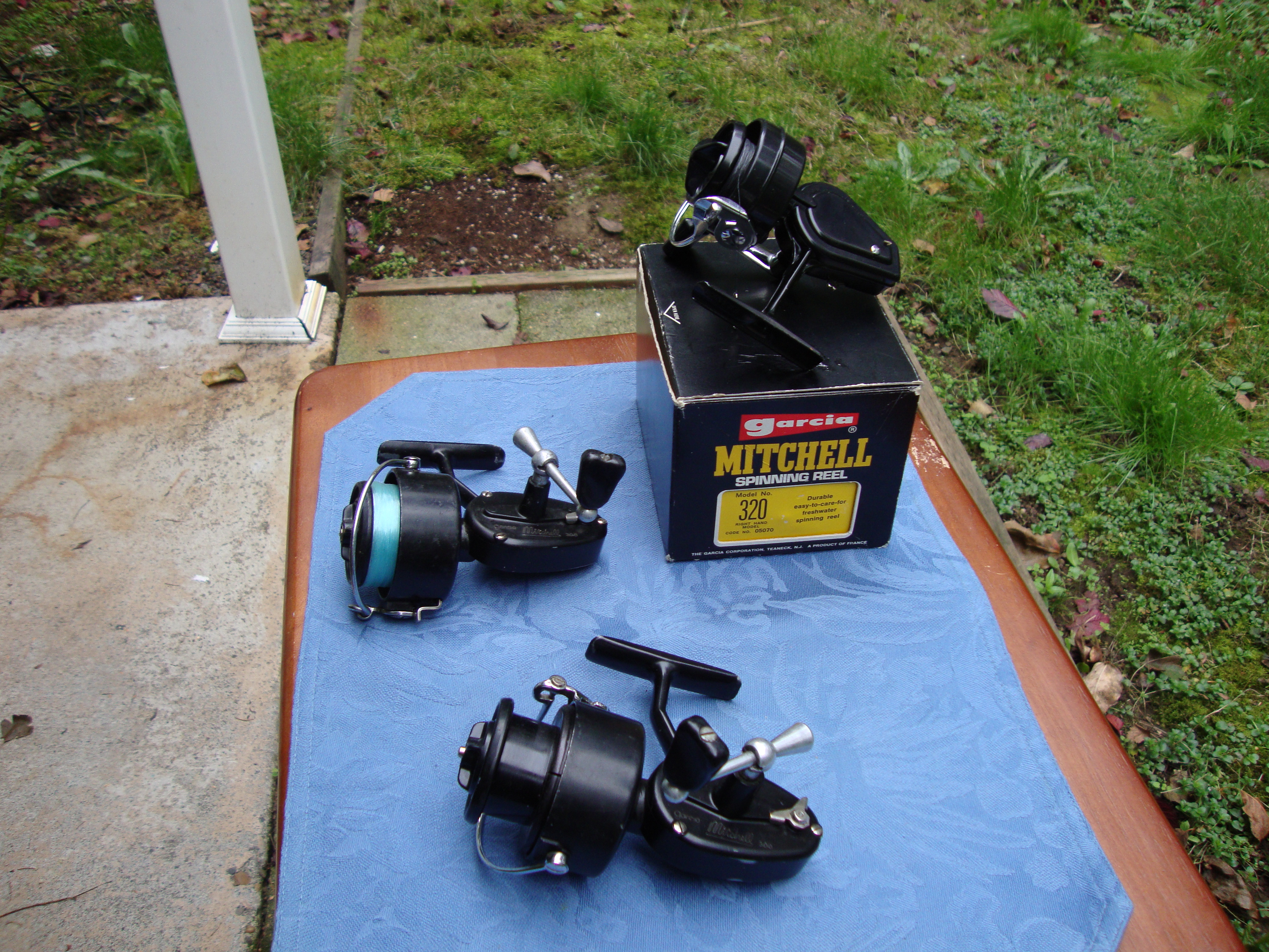 Antique fishing rod reels lures for sale antiques for Antique fishing lures prices