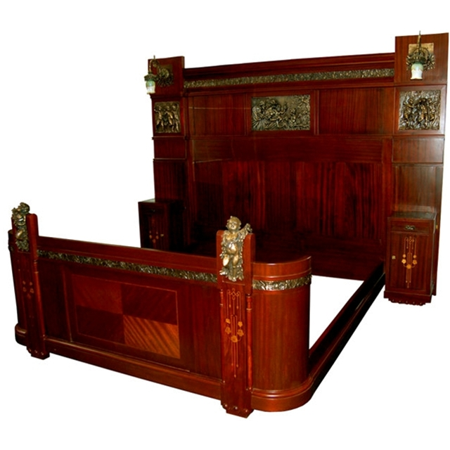 3-Pc. Italian Mahogany King-Size Bedroom Suite For Sale
