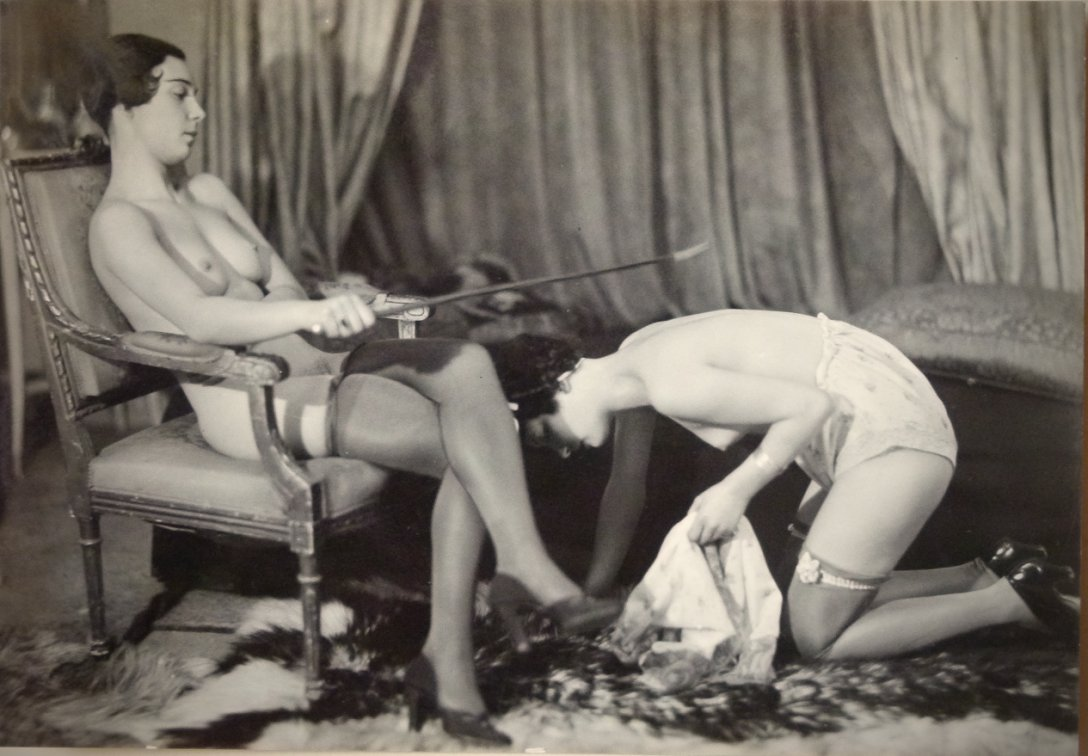 Retro bondage photos