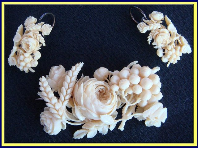 MUSEUM PIECE ANTIQUE DIEPPE CARVED IVORY EARRINGS BROOCH SET For