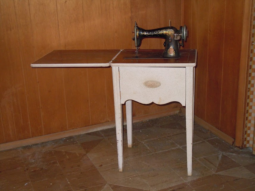 antique singer sewing machine table for sale