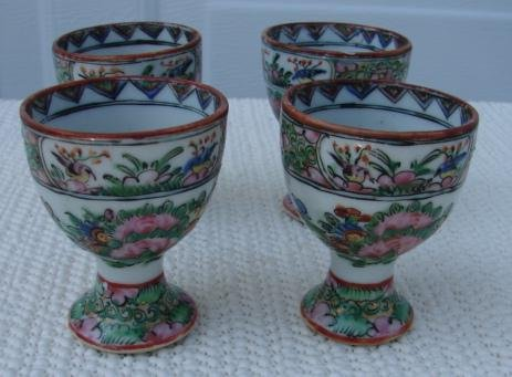 C 1880 Chinese Export Rose Medallion 4 Egg Cups For