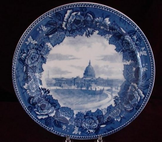 C 1890 Dark Blue Wedgewood Capitol Plate For Sale
