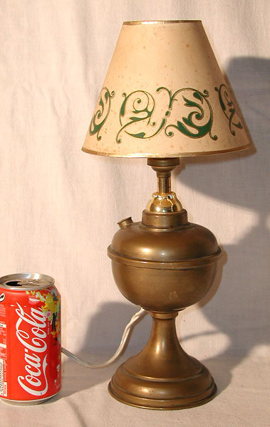 19th c french brass oil lamp electrified for sale. Black Bedroom Furniture Sets. Home Design Ideas