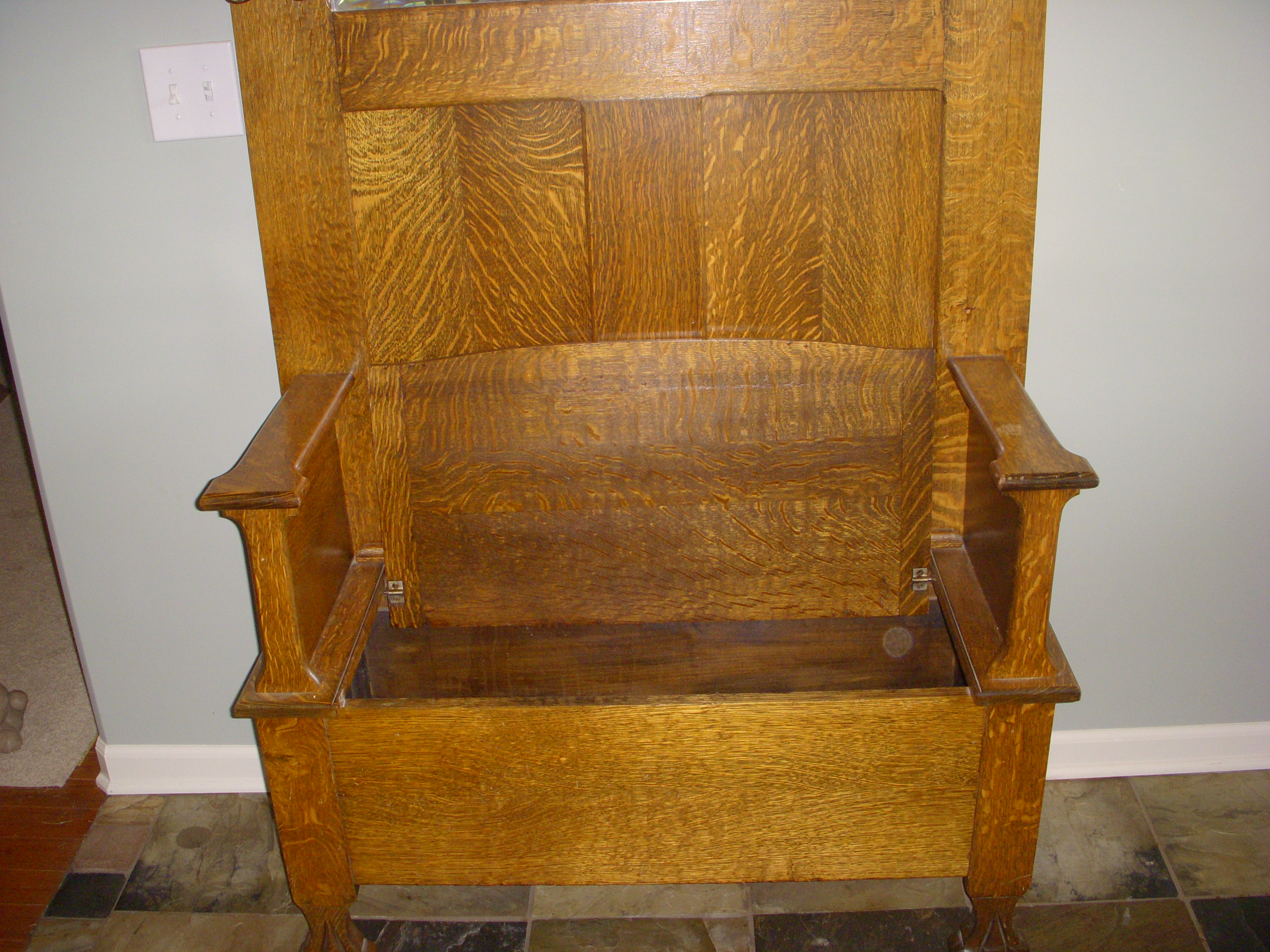 Quater Sawn Oak Hall Tree With Storage Seat For Sale