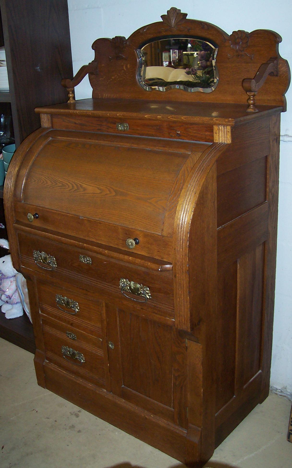 Solid Oak Cylinder Roll Top Desk For Sale
