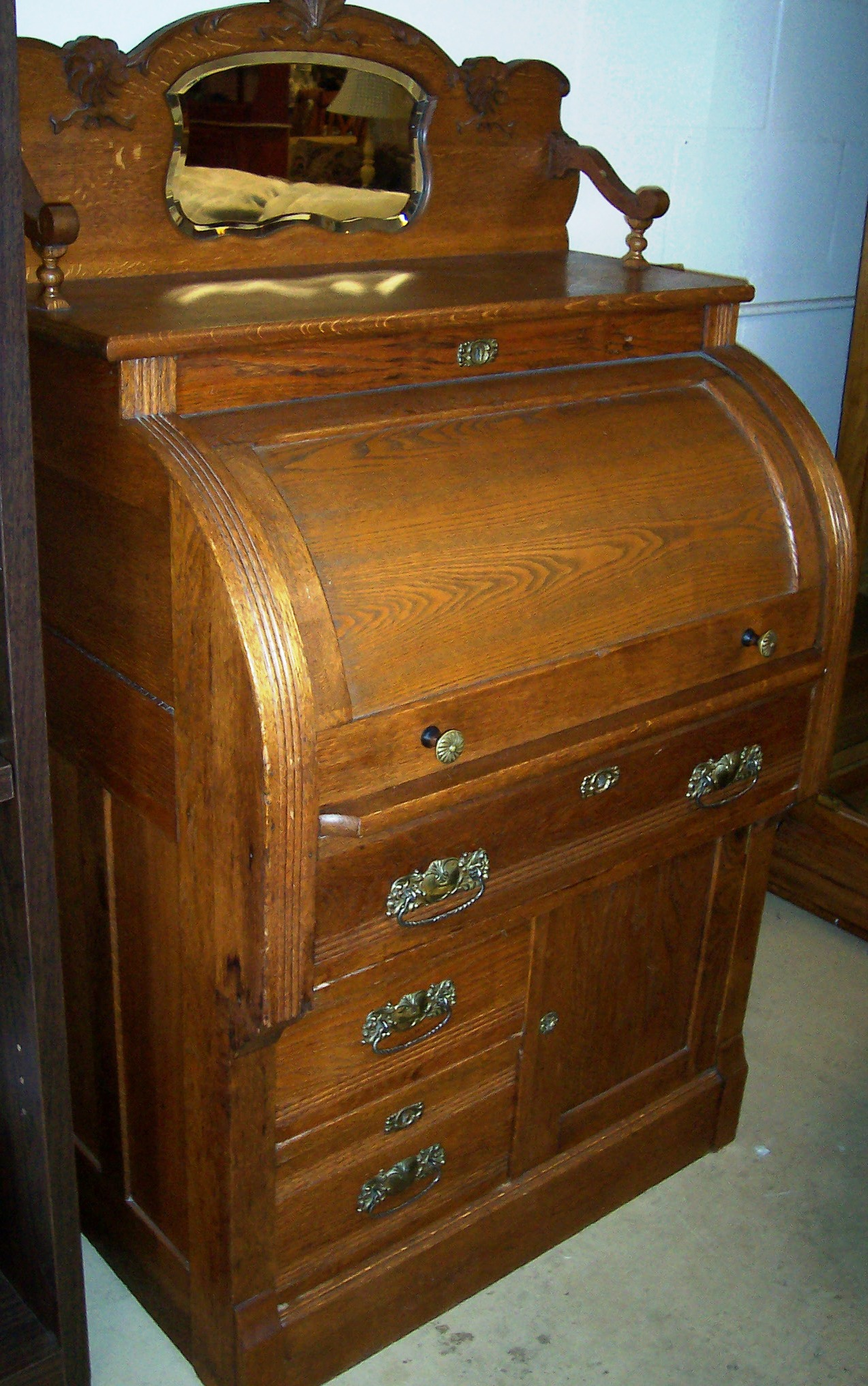 This Is A Solid Oak Antique Cylinder Roll Top Desk Has Slide Out Writing Surface Also Includes Removable Organizer