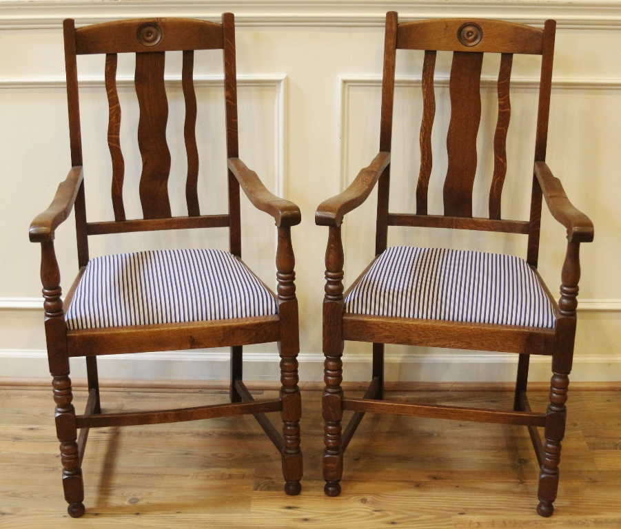 Antique English Oak Pub Table and Chairs Dining Set, Draw ...