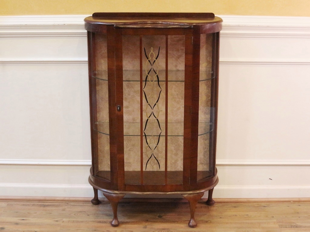 vintage art deco curio china cabinet english 1920 39 s queen anne walnut for sale antiques. Black Bedroom Furniture Sets. Home Design Ideas
