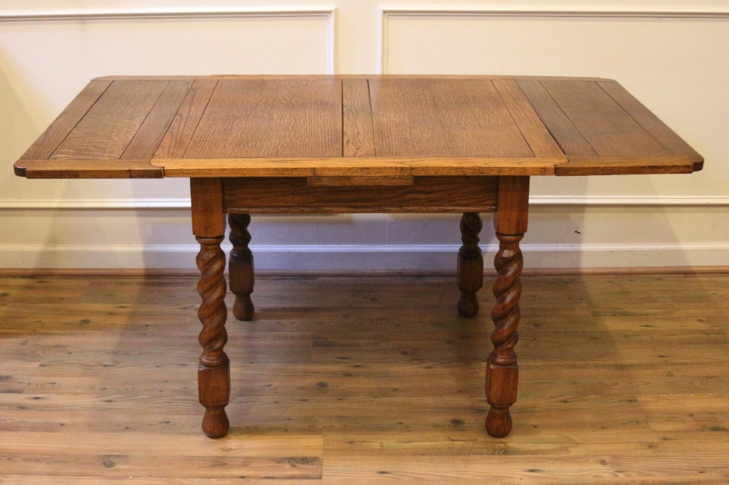 Antique Oak English Pub Table And 4 Chairs Dining Set With Extending Pull Out Leaves Barley Twist Carved Legs This Beautiful Has Age